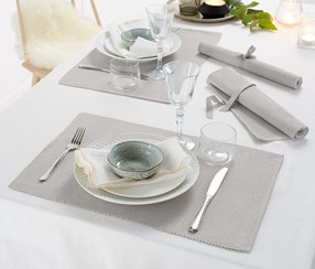 Place Mats Set of 4, Silver