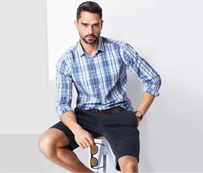 Men Shorts With Slight Texture, Navy Blue