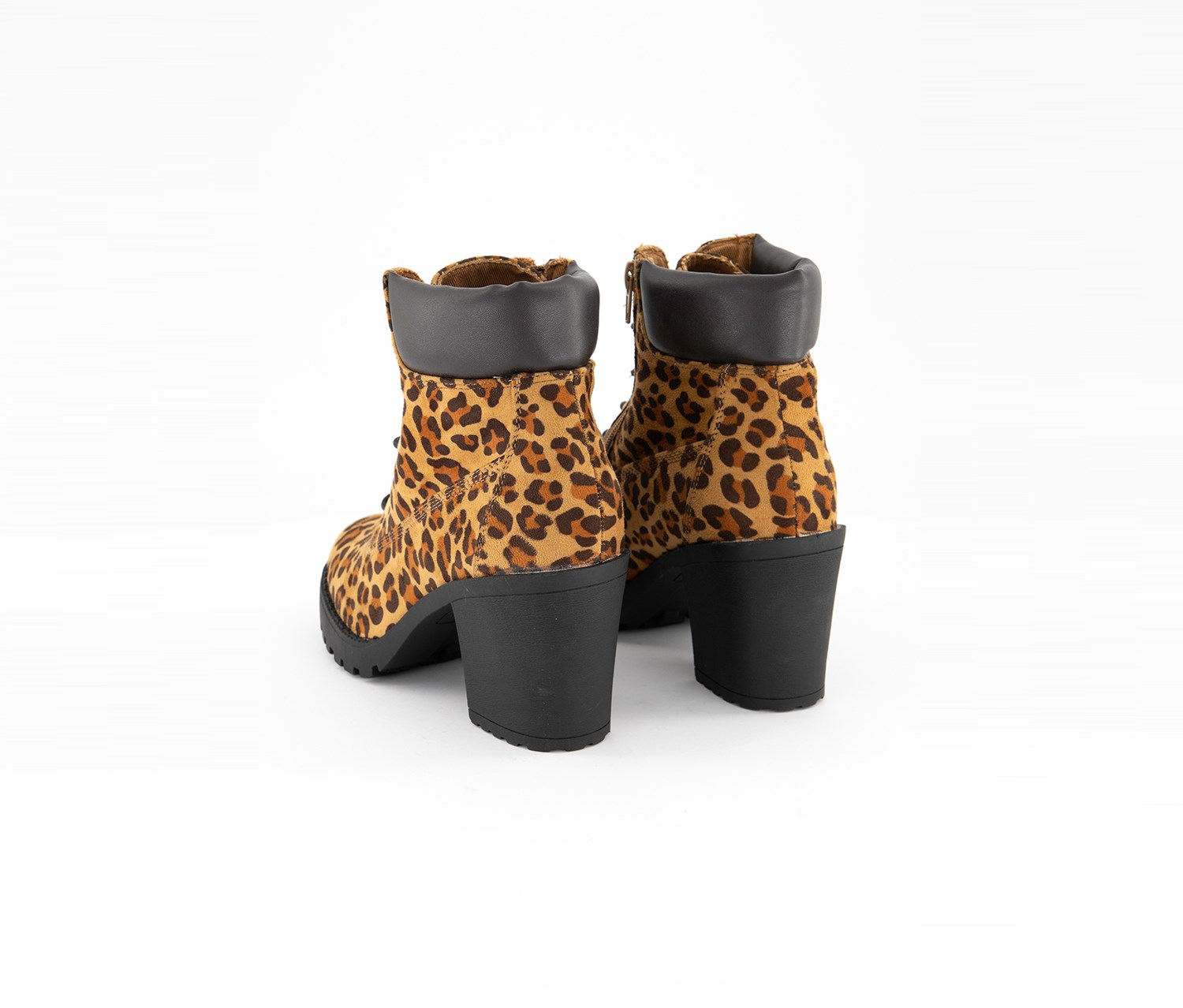 BCBGeneration Wedge Ankle Boots Leopard Animal Size 6 1//2