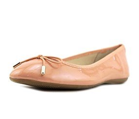 Alfani Womens Aleaa Closed Toe Ballet Flats, Apricot