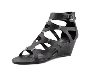XOXO Sarabeth Women's Wedge Sandal, Black